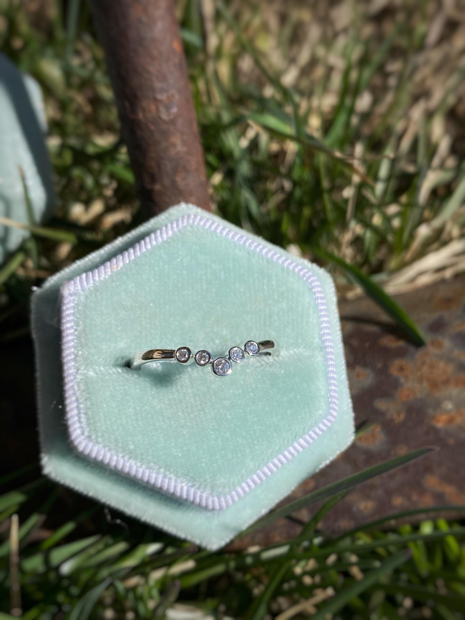 0.06tw Bezel Small Contour Diamond Band