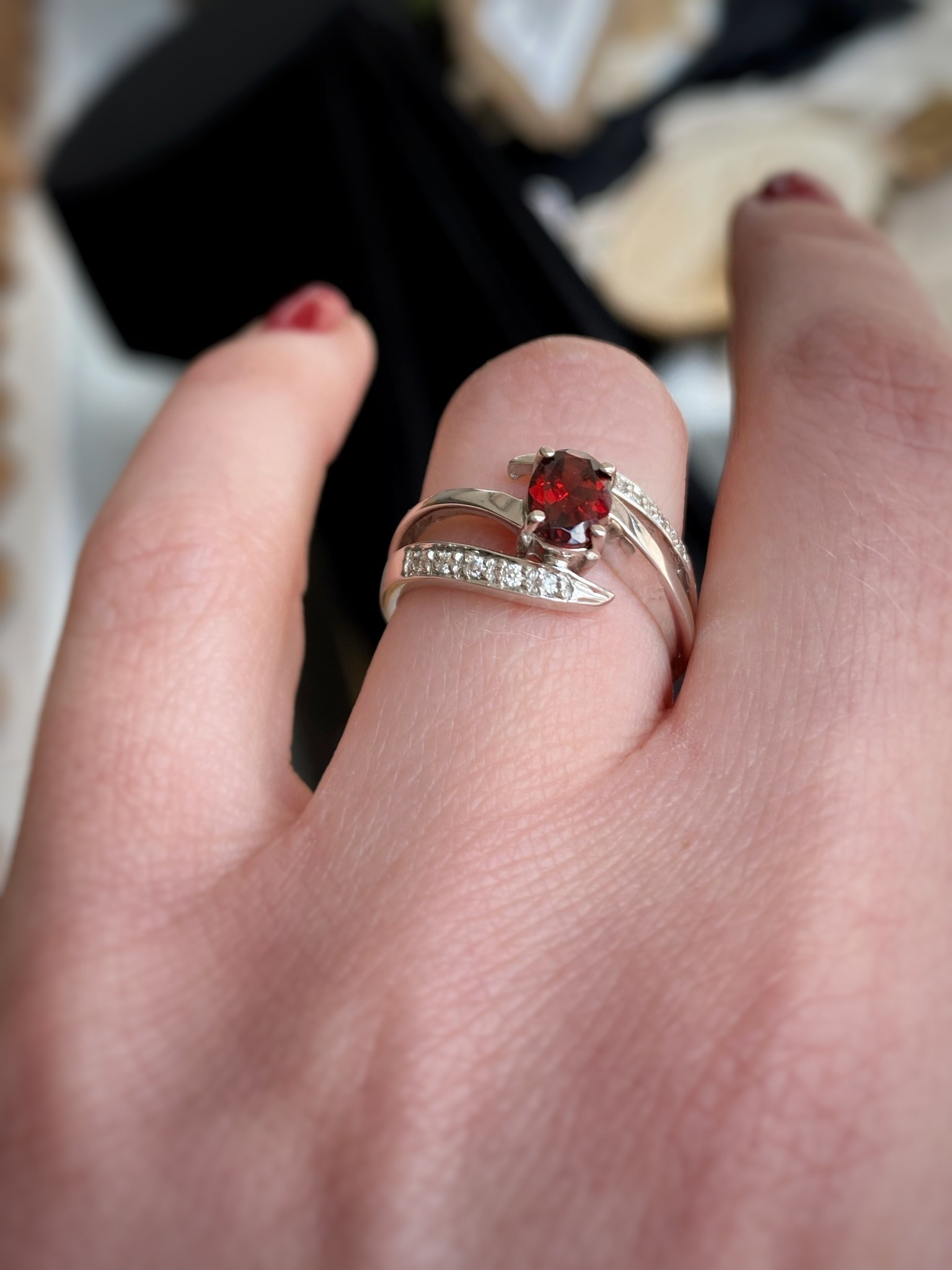 14k White Gold Garnet Diamond Fashion Ring