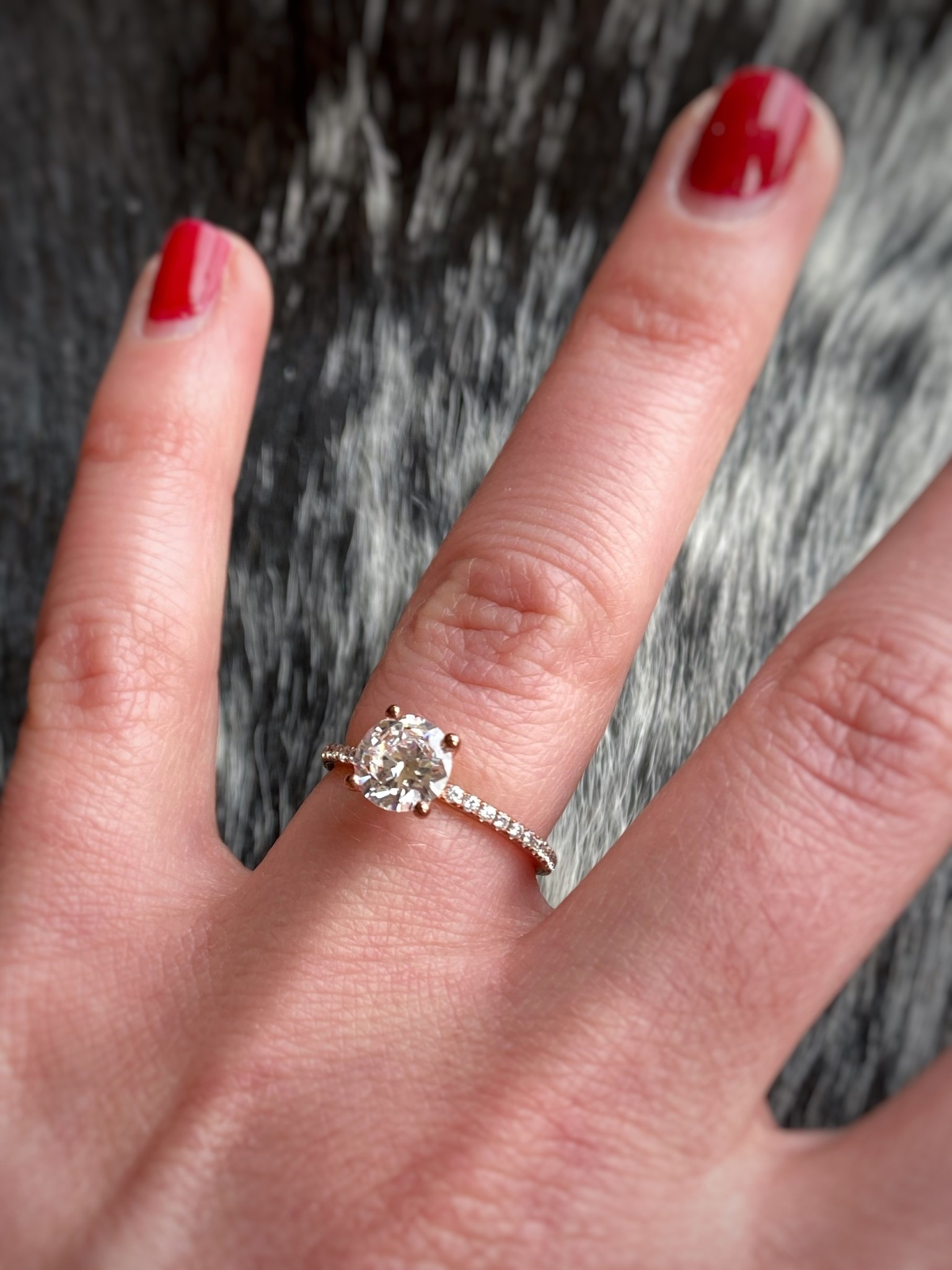 Narrow Diamond Solitaire 0.25ctw Semi-Mount