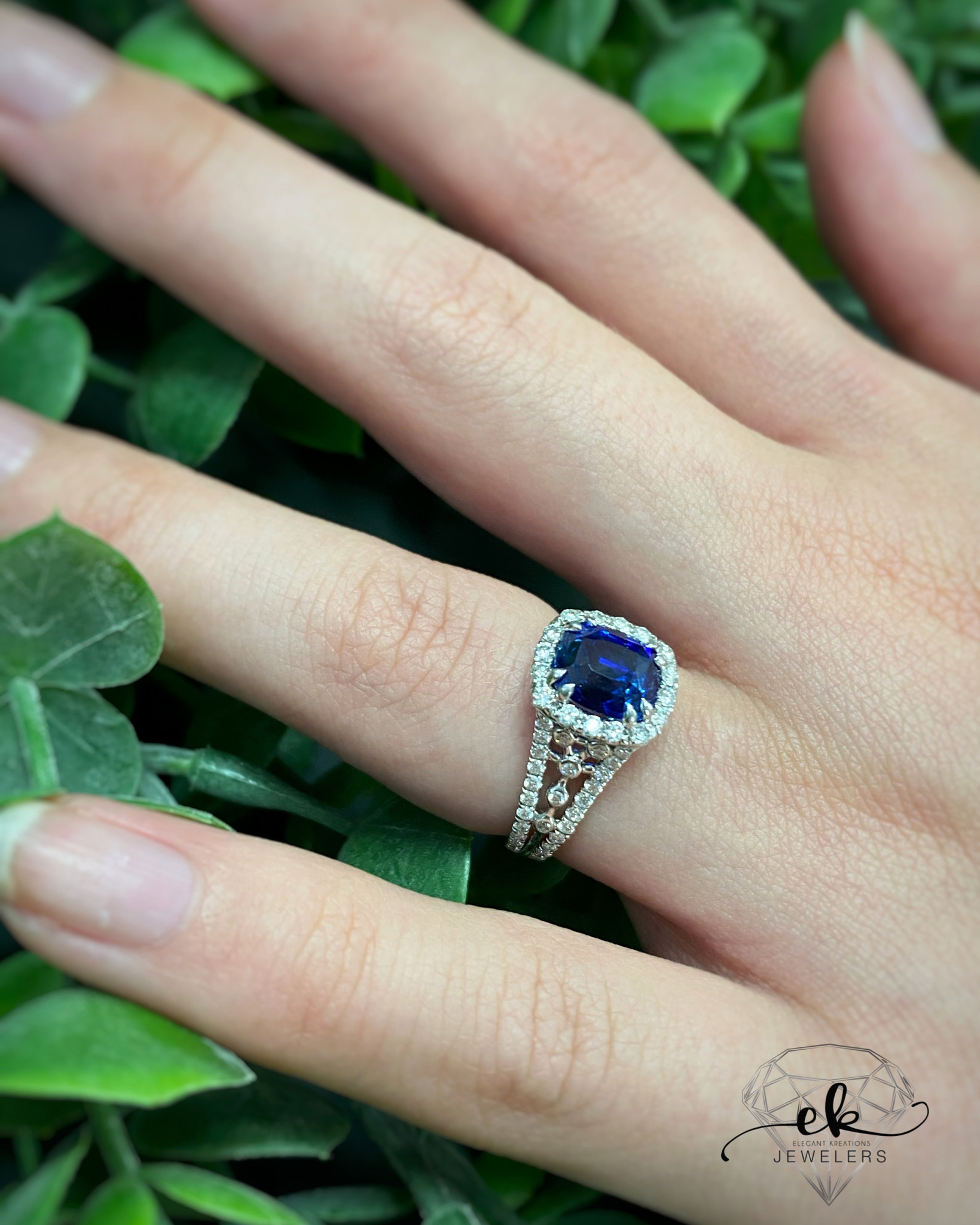 18K White Gold 2.26ct TR Blue Sapphire Diana Style Ring