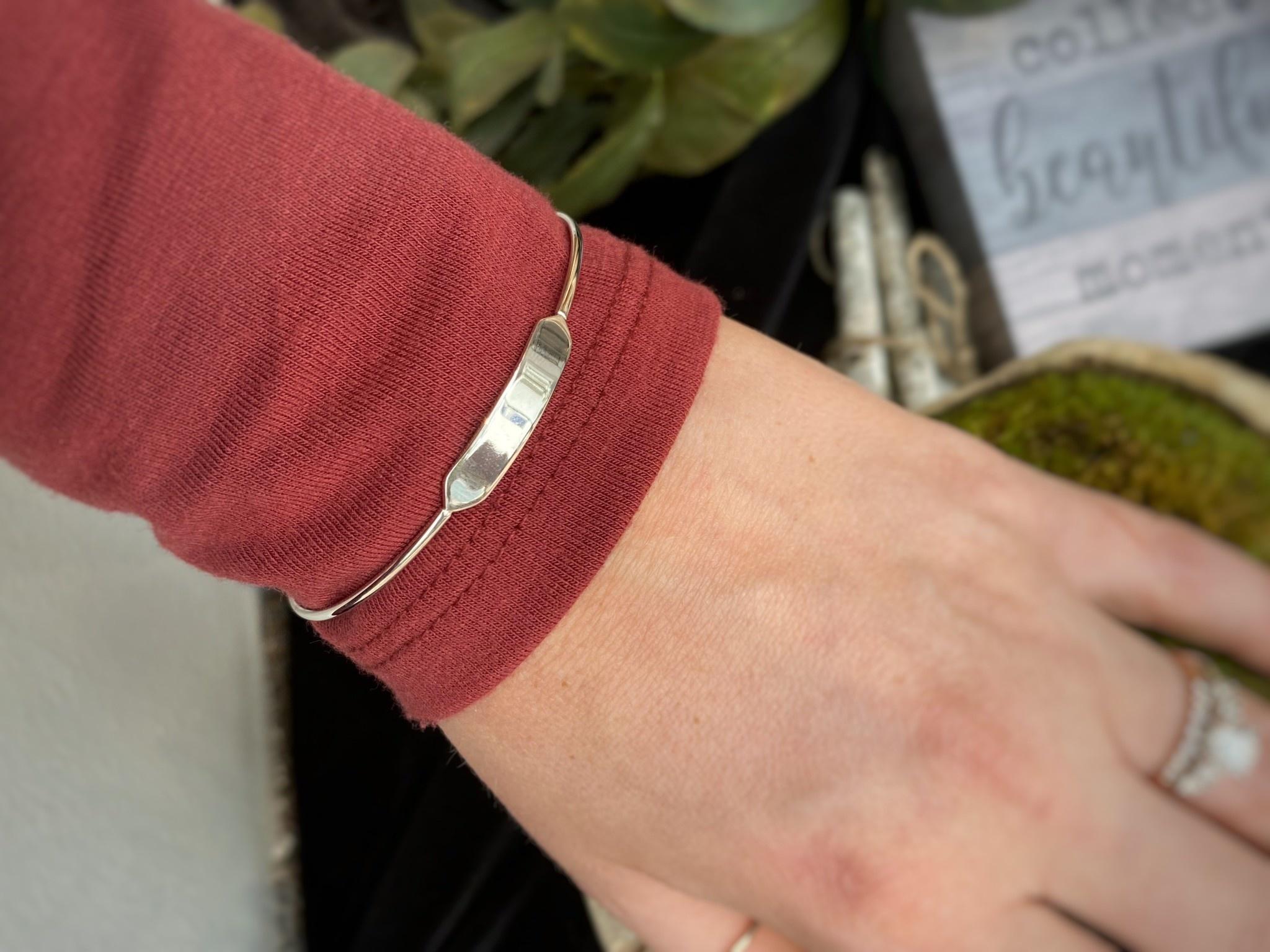 14K White Gold Bar Bracelet