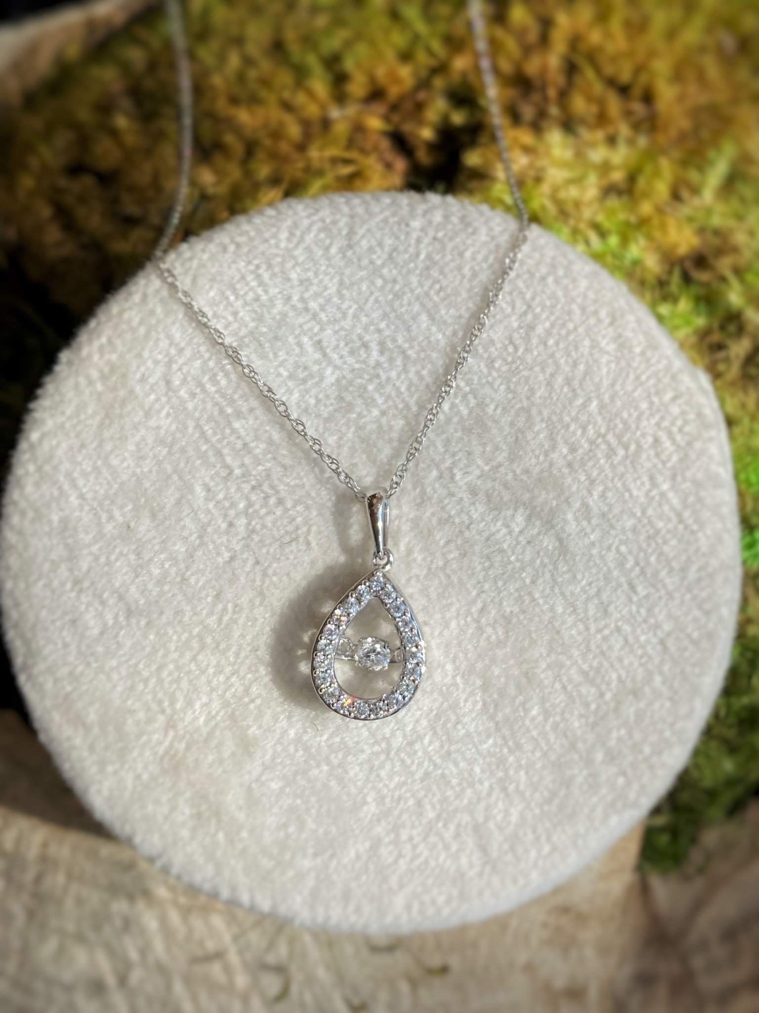 Pear Shaped Dancing Diamond Necklace