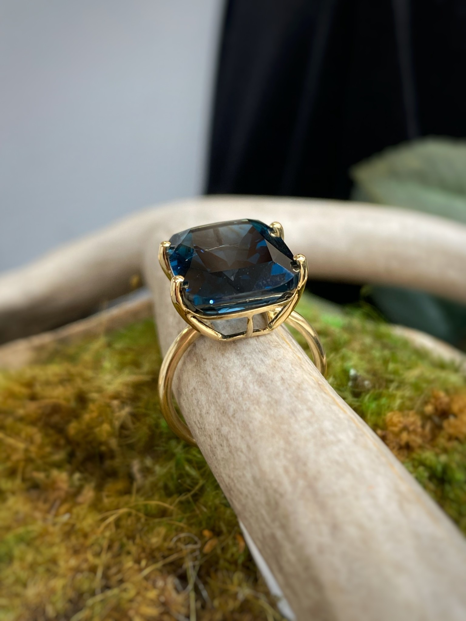 14K Yellow Gold Solitaire London Blue Topaz Ring