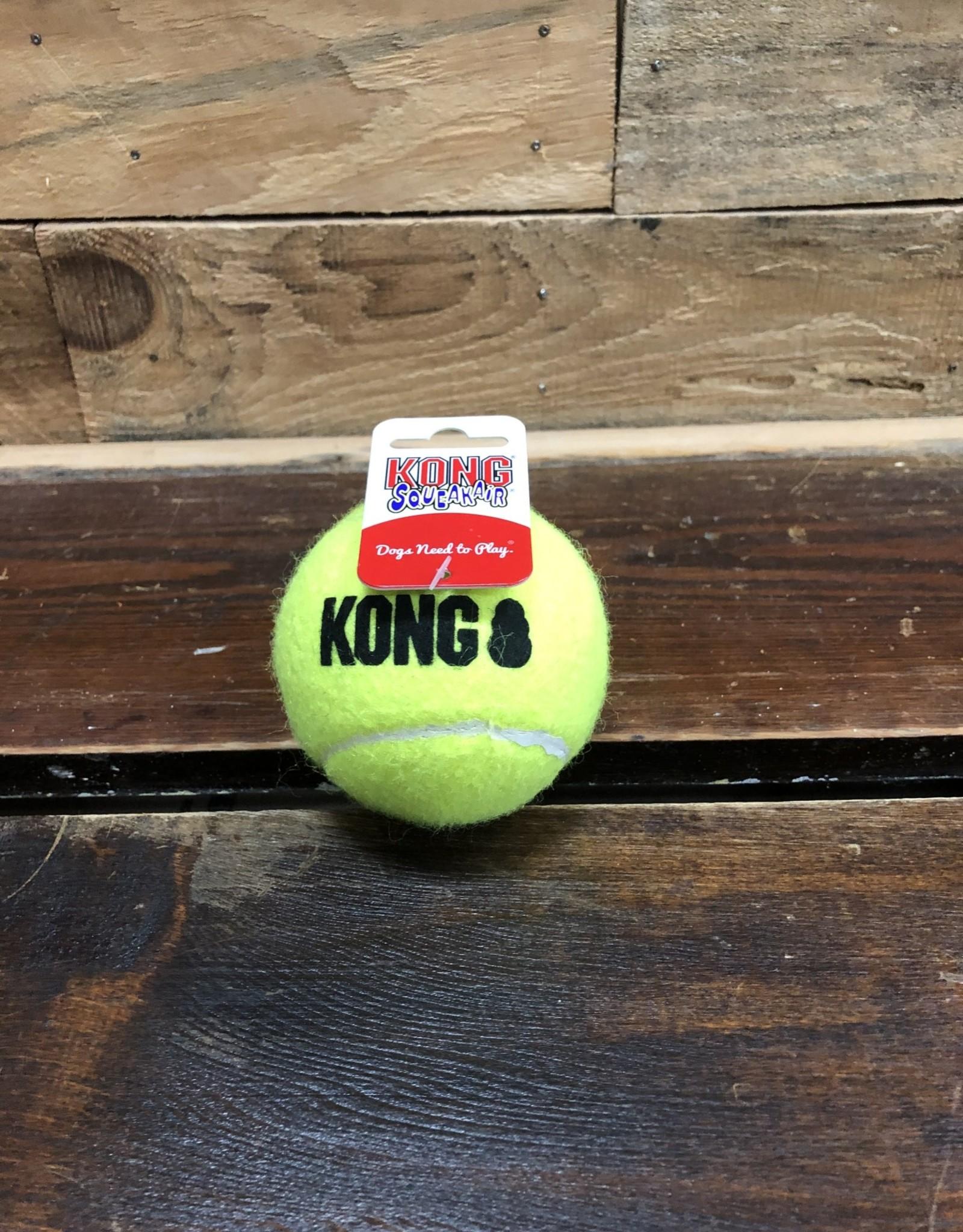 Kong AIR DOG  SQUEAKER TENNIS BAll MEDIUM