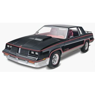 REVELL USA RMX 854317 1983 HURST OLDSMOBILE 1/25 MODEL KIT
