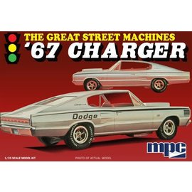 MPC MPC 829 1967 CHARGER 1/25 MODEL KIT