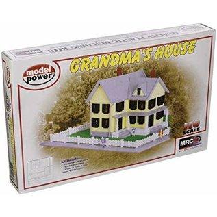 MDP 487 Grandma's House Kit - Grassmat/Fence HO KIT