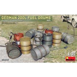 MINIART MNA 35597 GERMAN 200L FUEL DRUMS 1/35 MODEL KIT