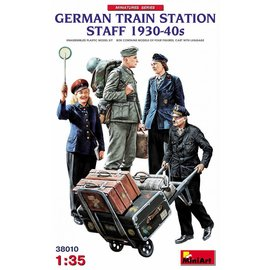MINIART MNA 38010 GERMAN TRAIN STATION STAFF 1930-40 MODEL KIT