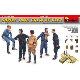 MINIART MNA 35246 SOVIET CREW AT REST 1/35