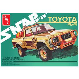 AMT AMT 1114M 1/25 1980 Toyota Hilux SR5 Pickup 2T, Snap