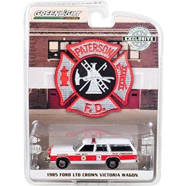 GREENLIGHT COLLECTABLES GLC 30024 FORD CROWN VICTORIA WAGON 1985 1/64