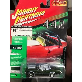 JOHNNY LIGHTNING JLC CG015OLCUTG 1972 CUTLASS CONVERTIBLE 442 GREEN 1/64