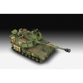 REVELL GERMANY REV 03331 M109A6 MODEL KIT 1/72