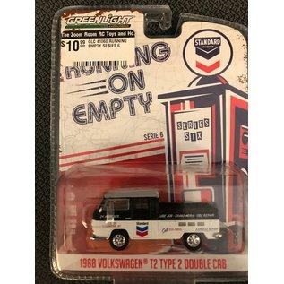 GREENLIGHT COLLECTABLES GLC 41060 RUNNING EMPTY SERIES 6 1968 VOLKSWAGEN T2 DOUBLE CAB 1:64 DIECAST