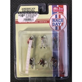 AMERICAN DIORAMA AD 76475MJ RACE DAY #1 LIMITED EDITION SCALE FIGURES