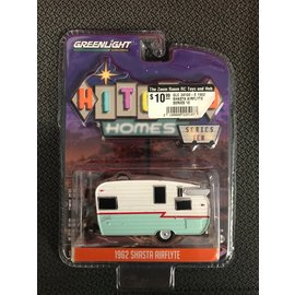 GREENLIGHT COLLECTABLES GLC 34100-E 1962 SHASTA AIRFLYTE SERIES 10 1:64 SCALE