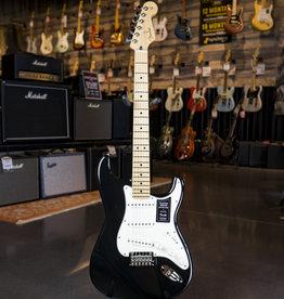 Fender Fender Player Stratocaster Maple Fingerboard Black Electric