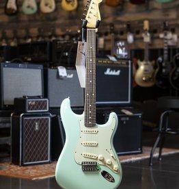 Fender Fender Vintera '60s Stratocaster Pau Ferro Fingerboard Surf Green Electric