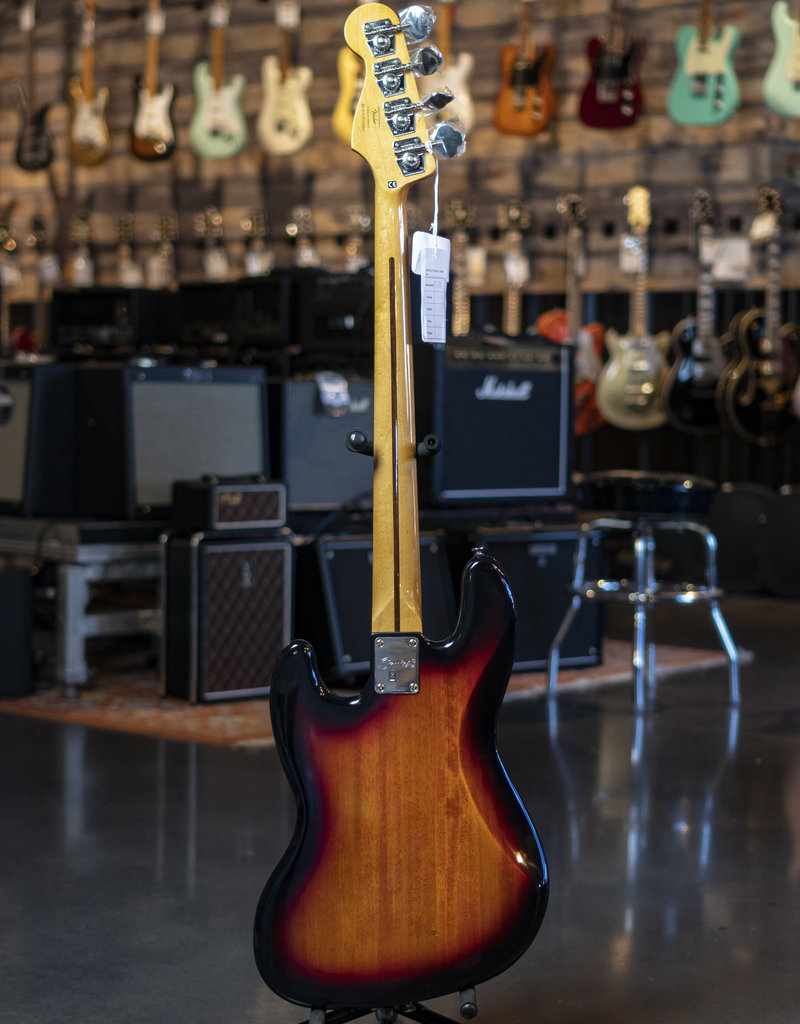 Squier Squier Classic Vibe '60s Jazz Bass Fretless, Laurel Fingerboard, 3-Color Sunburst