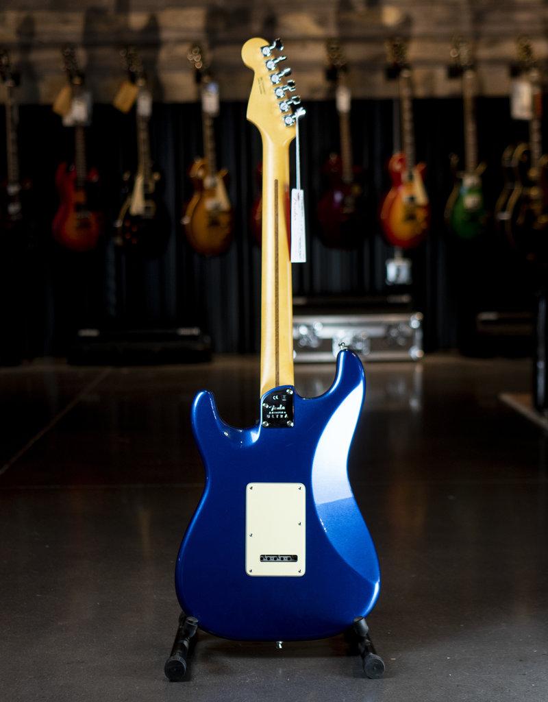 Fender Fender American Ultra Stratocaster HSS, Rosewood Fingerboard, Cobra Blue