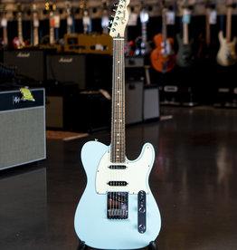 Fender Fender Deluxe Nashville Telecaster, Pau Ferro Fingerboard, Daphne Blue