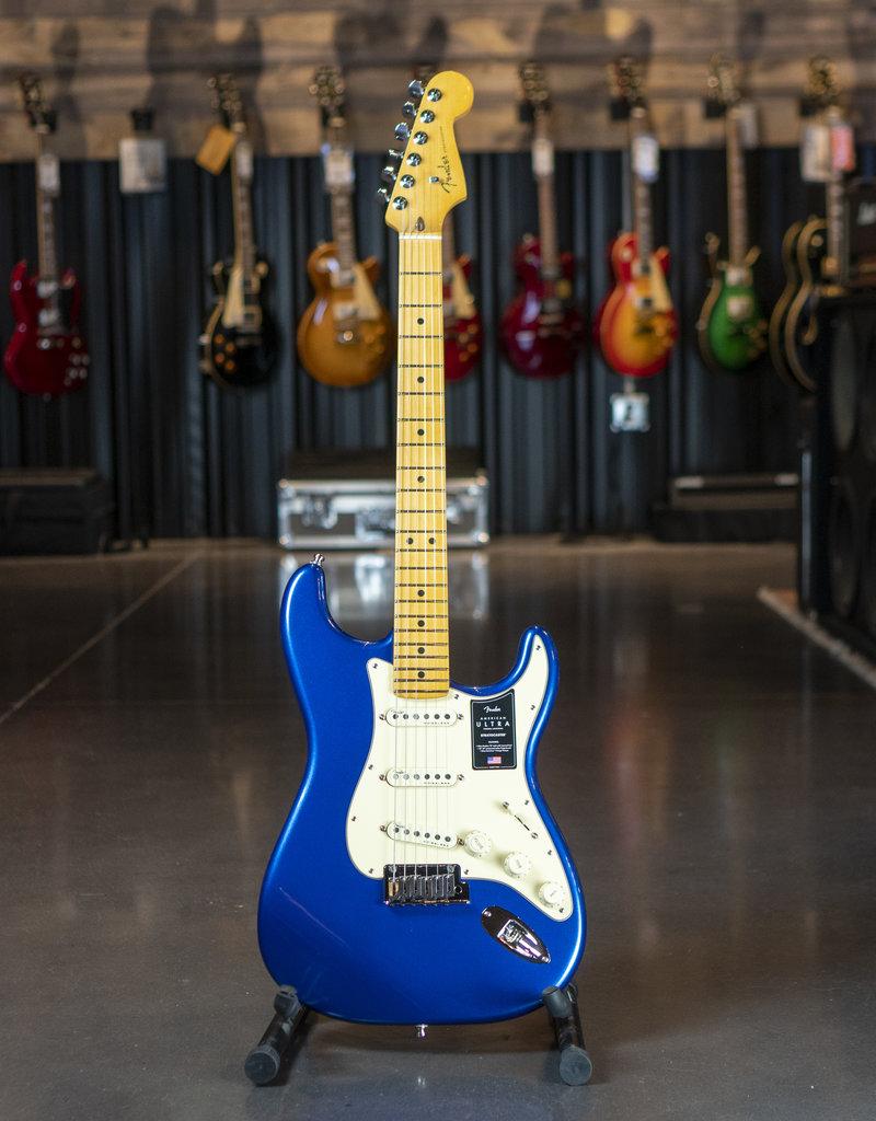 Fender Fender American Ultra Stratocaster SSS, Maple Fingerboard, Cobra Blue