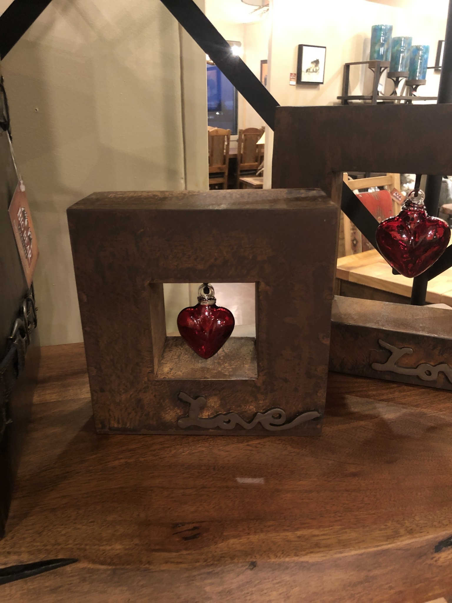 Artisans Love Shadow Box Sm W/Baby Red Heart