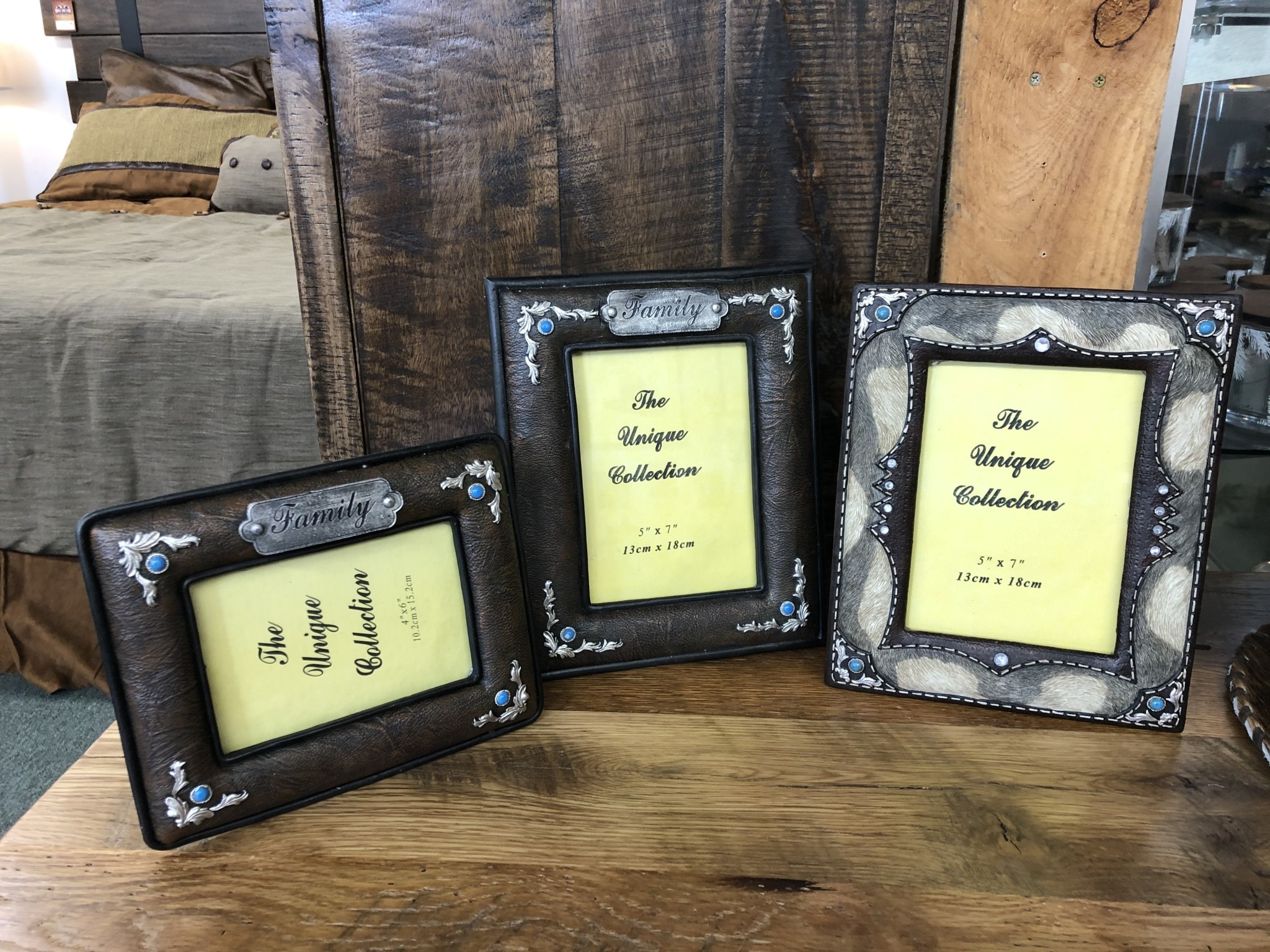 "Simpkins-Canterbury Lane 5x7 ""Family"" Photo Frame"