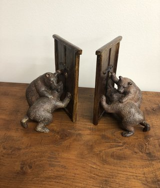 SPI Hungry Bear Bookends