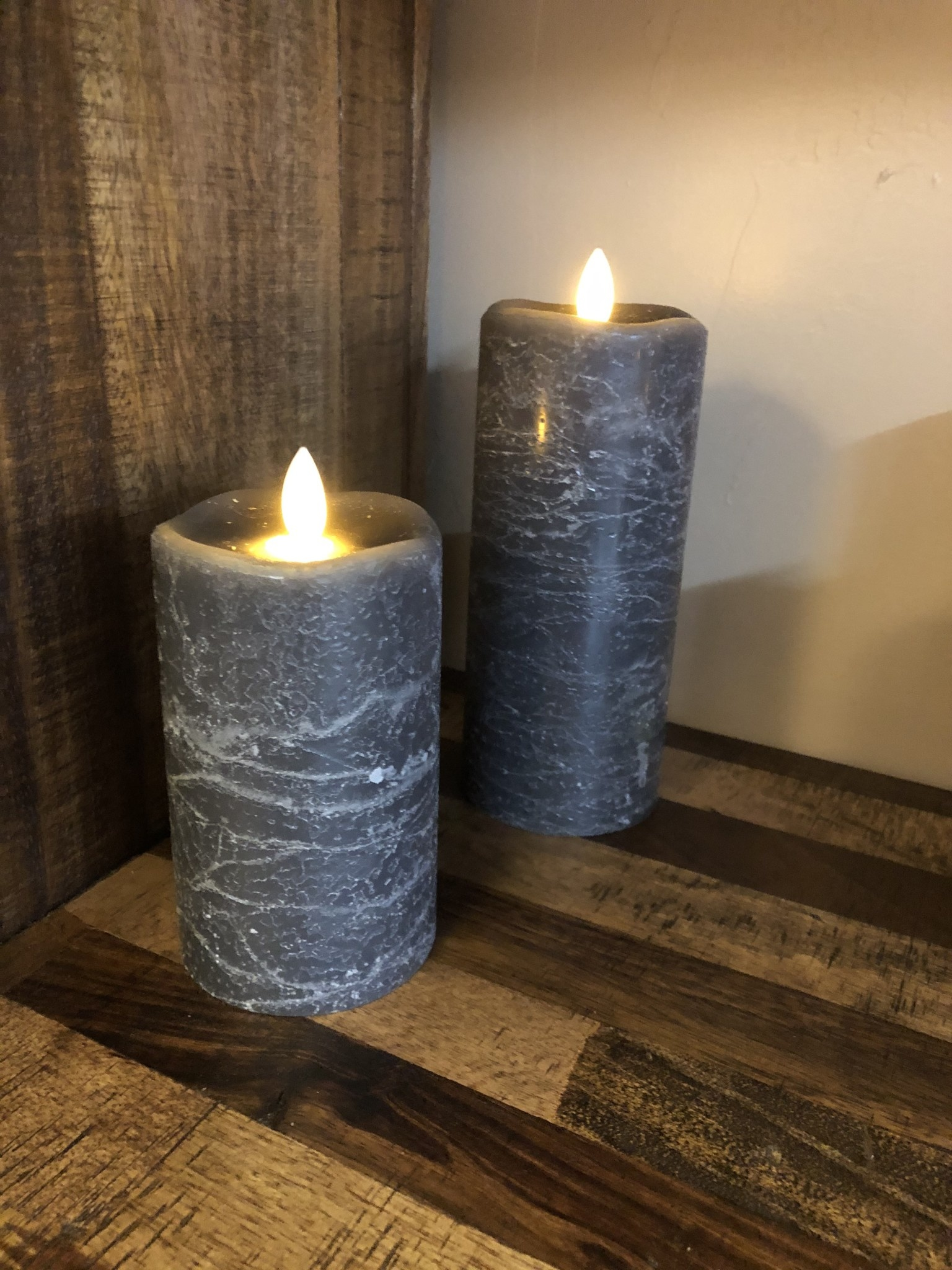 Sullivans Frosted Candle - Grey - 3x7