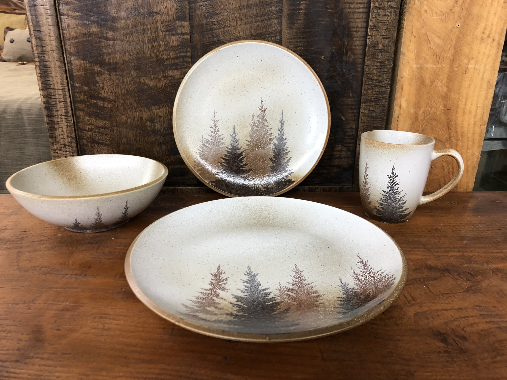 Hiend Clearwater Pines Stoneware Dinner Plate