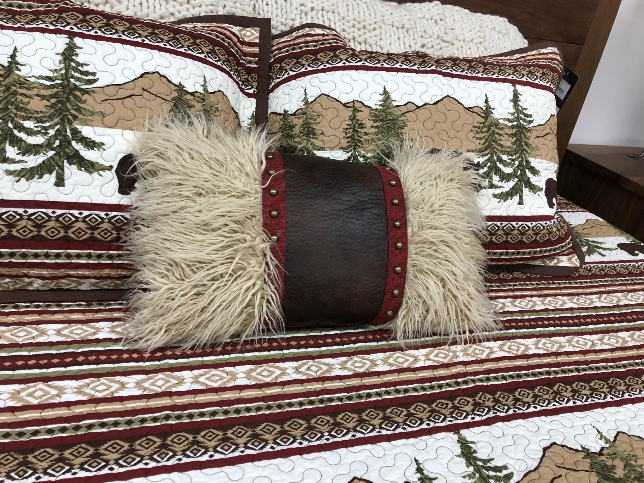 Hiend Ruidoso Fur Pillow w/leather & studs12x19,