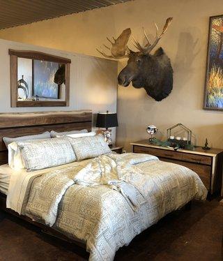 Troubadour Troubadour King Bed