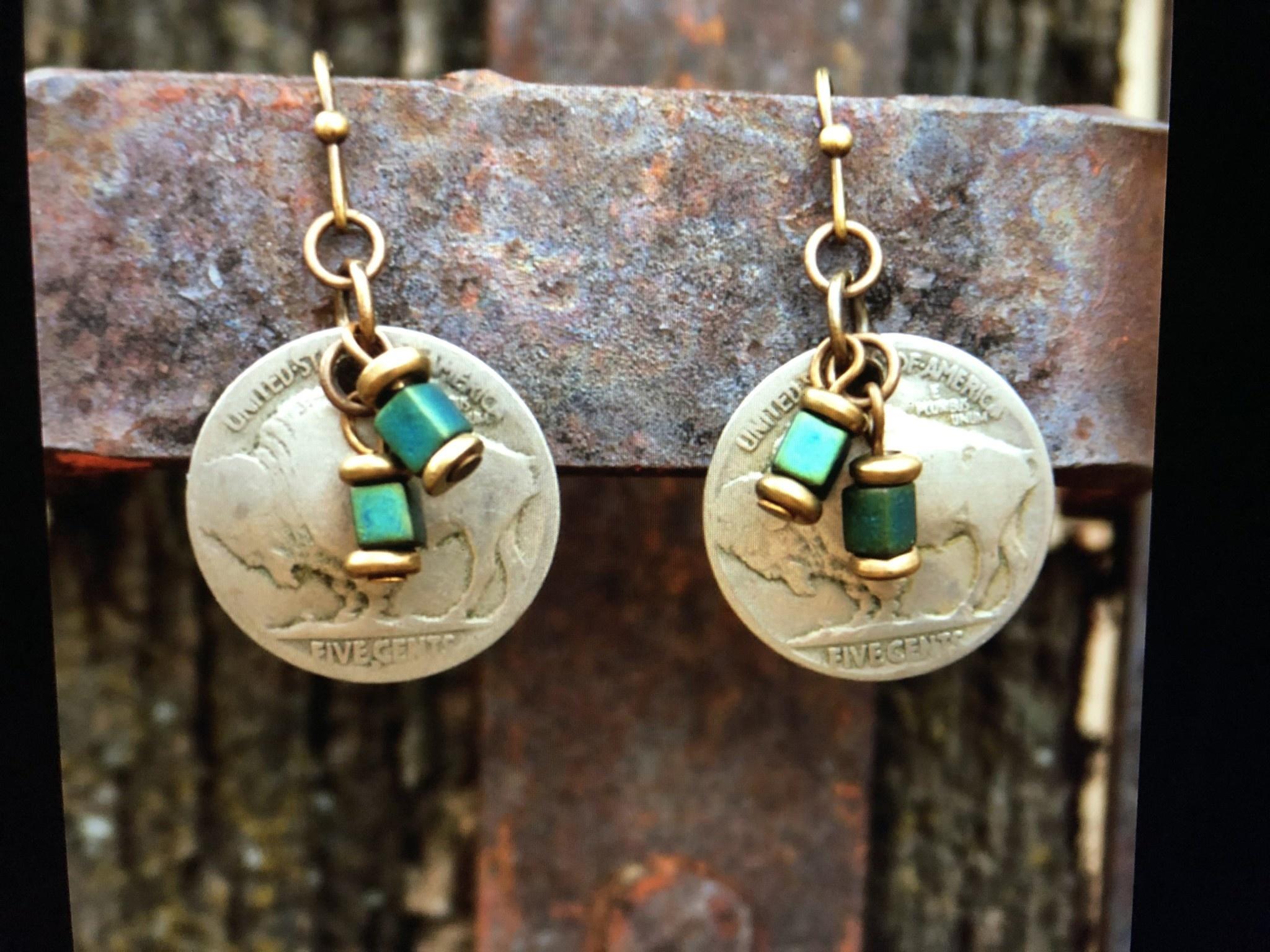 cool water jewelry EW426 Nickel & Teal Cubes