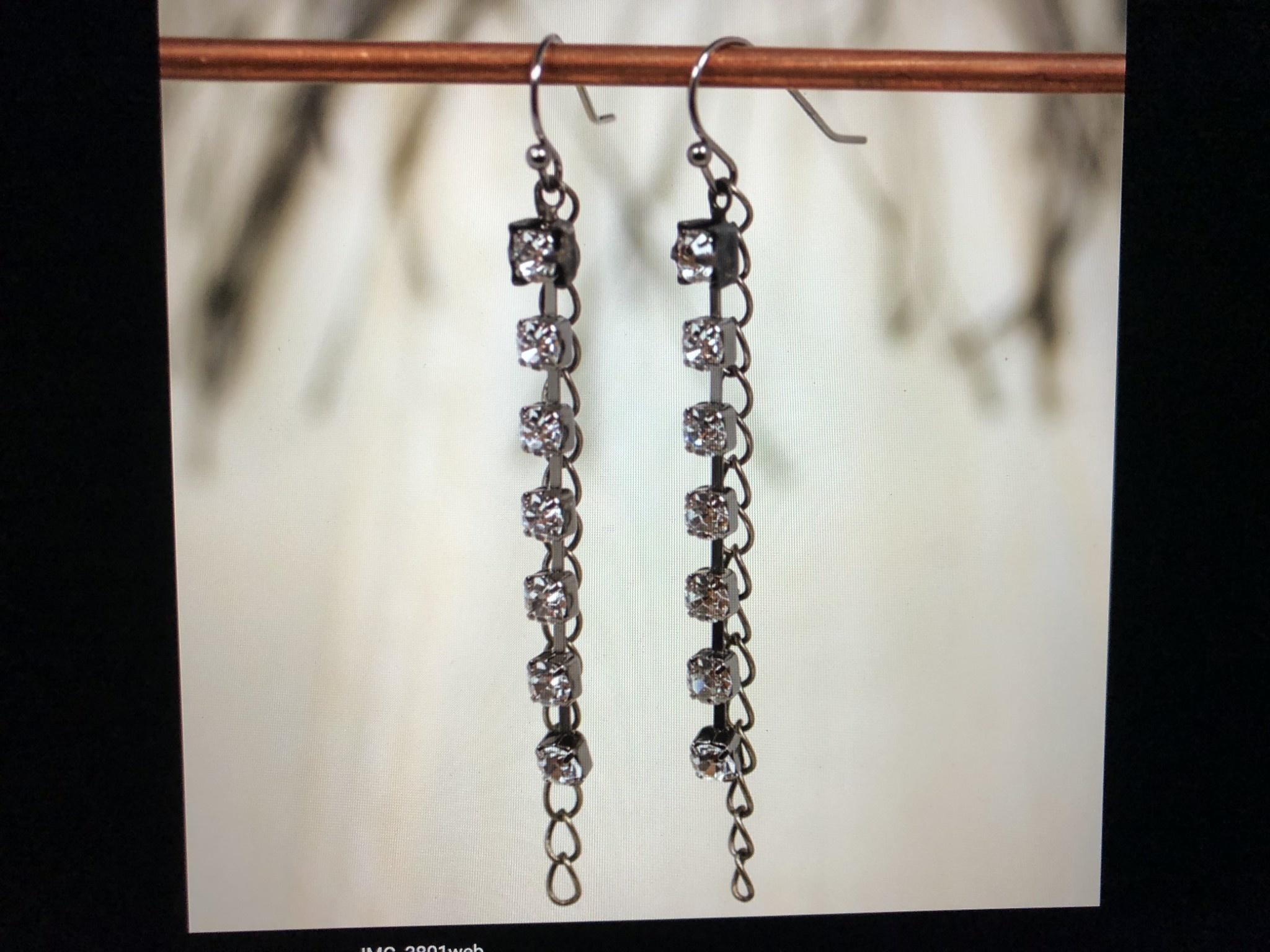 cool water jewelry EW447-50 Rhinestone/Curb Chain Drop