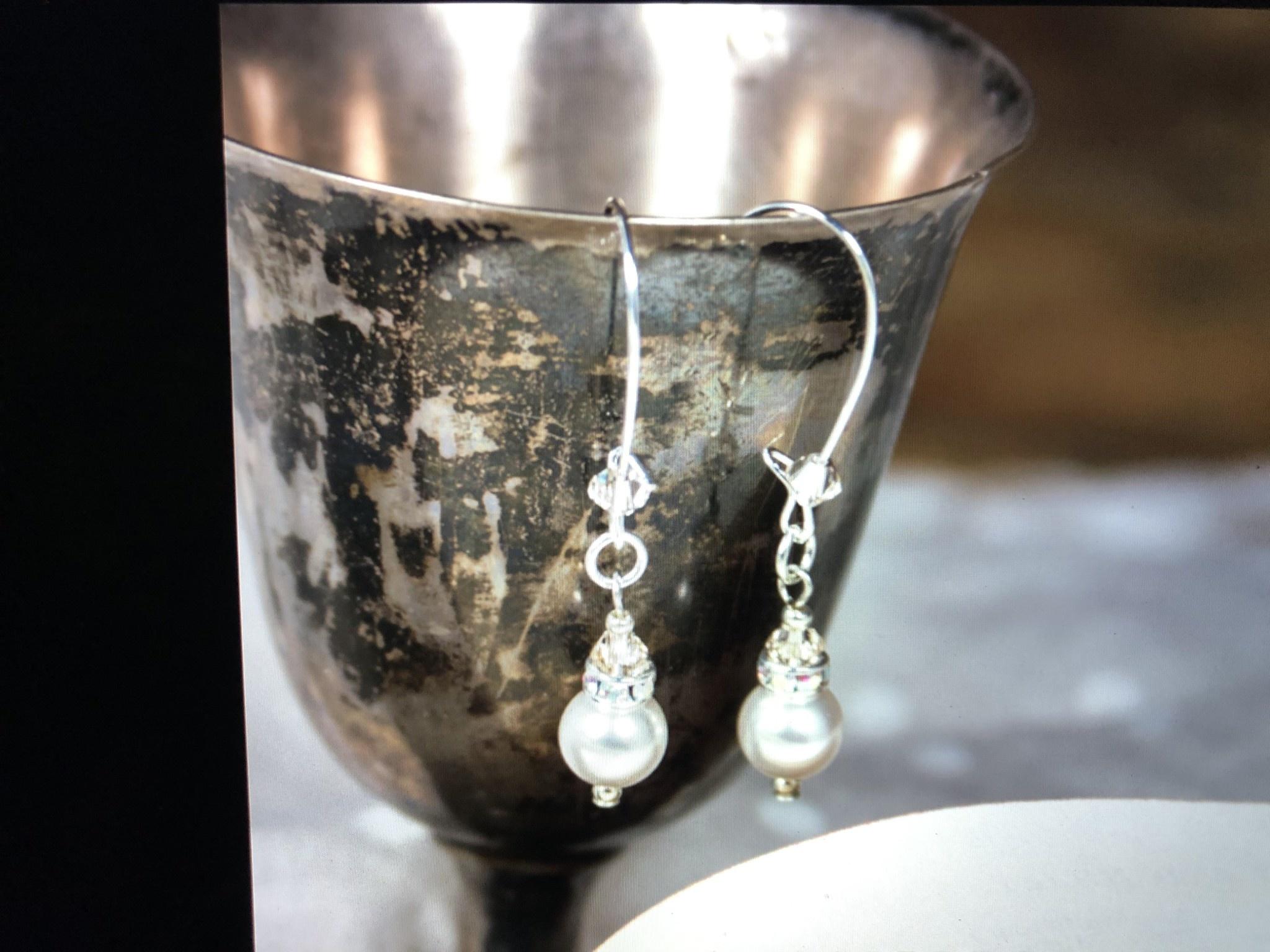 cool water jewelry EW553-182 Sanctuary Sm Kidney w/Swarovski Pearl & Iridescent Rondell
