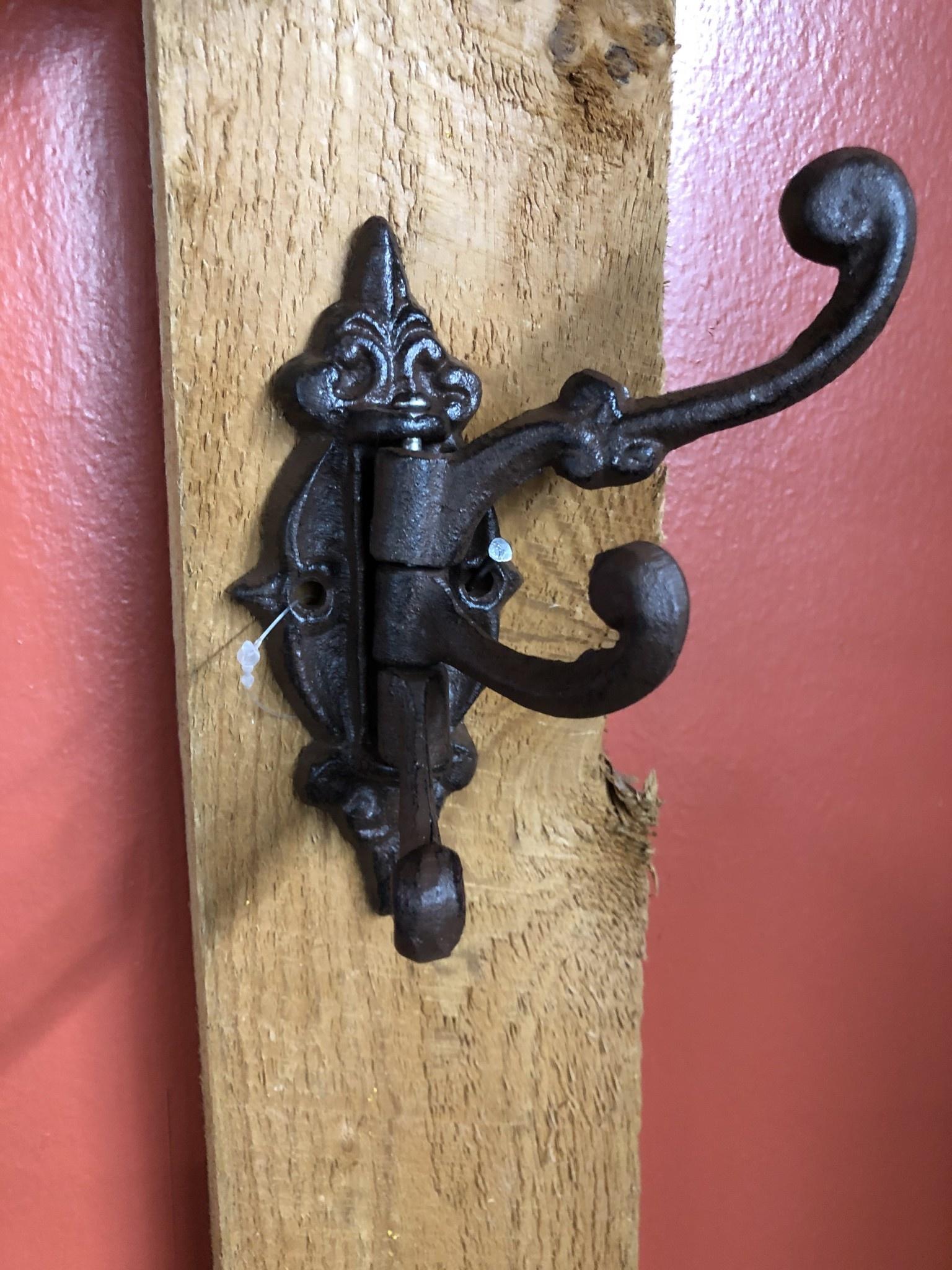 Upper Deck Small Swivel Hook (3) 1660