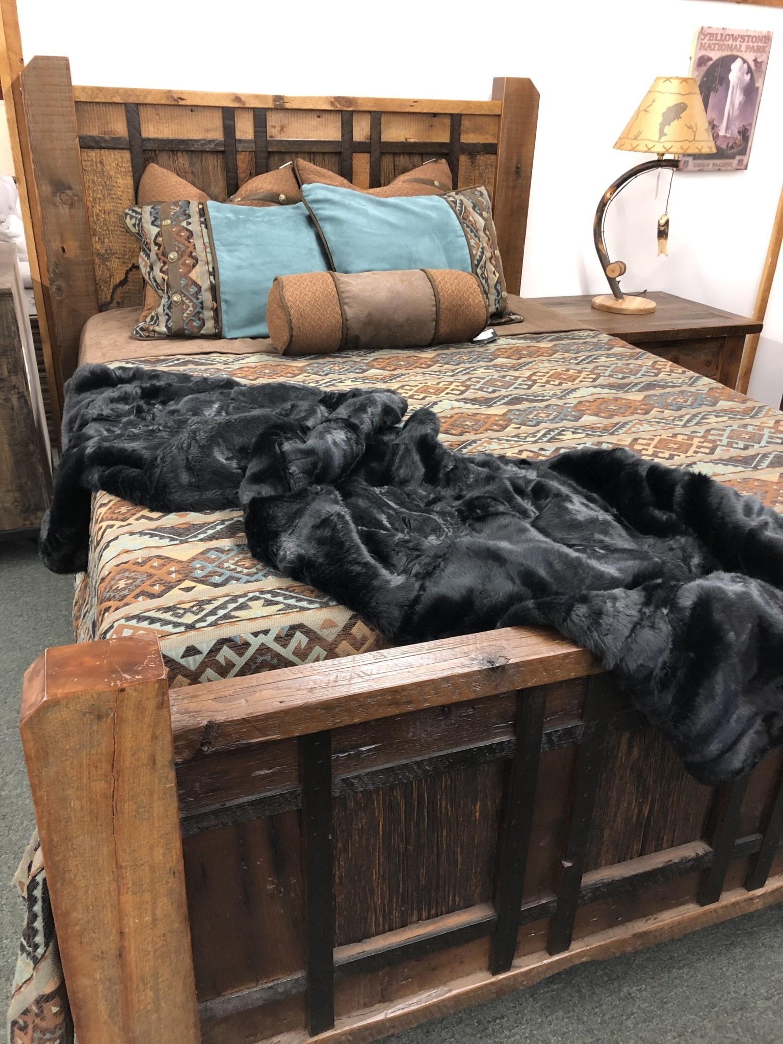 Hiend Arctic Bear Throw - 50x80 - BLACK