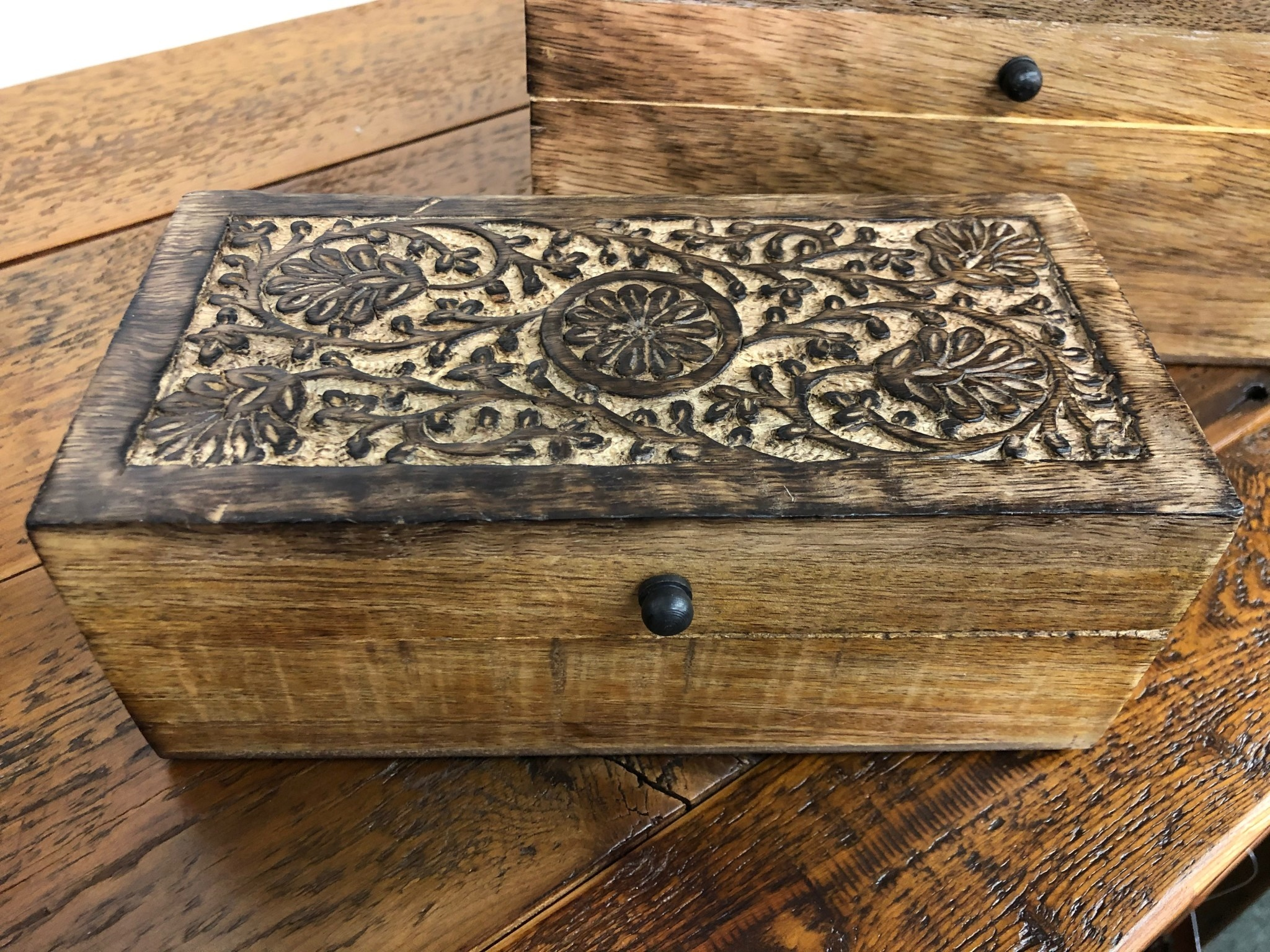 "Uma Small Mango Wood Box w/Flowers  8""W"