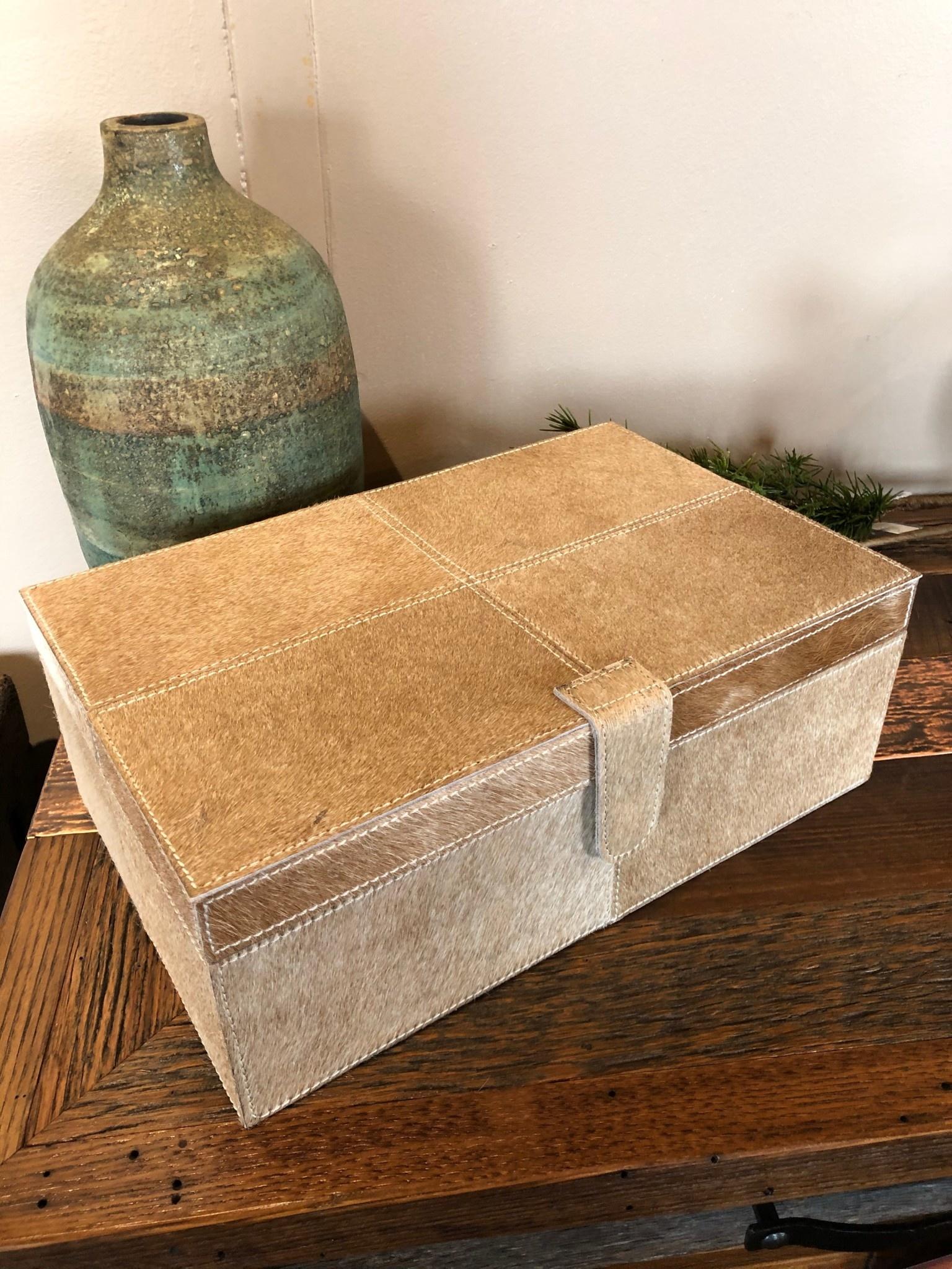 Uma Small, Lt BR/WH Leather Hide Box (95933)