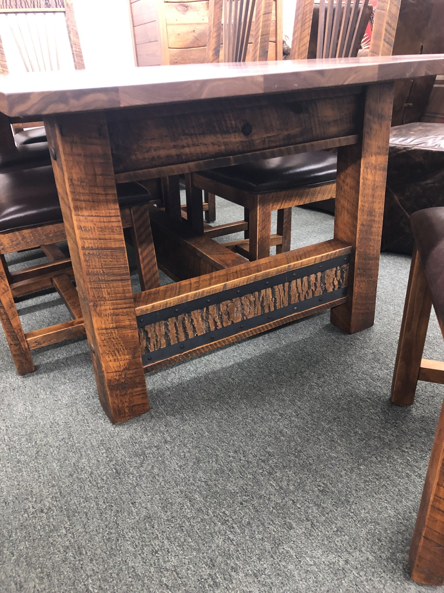 Green Gables Mossy Oak Carver Point 7' Dining Table-Natural Bark/Walnut top