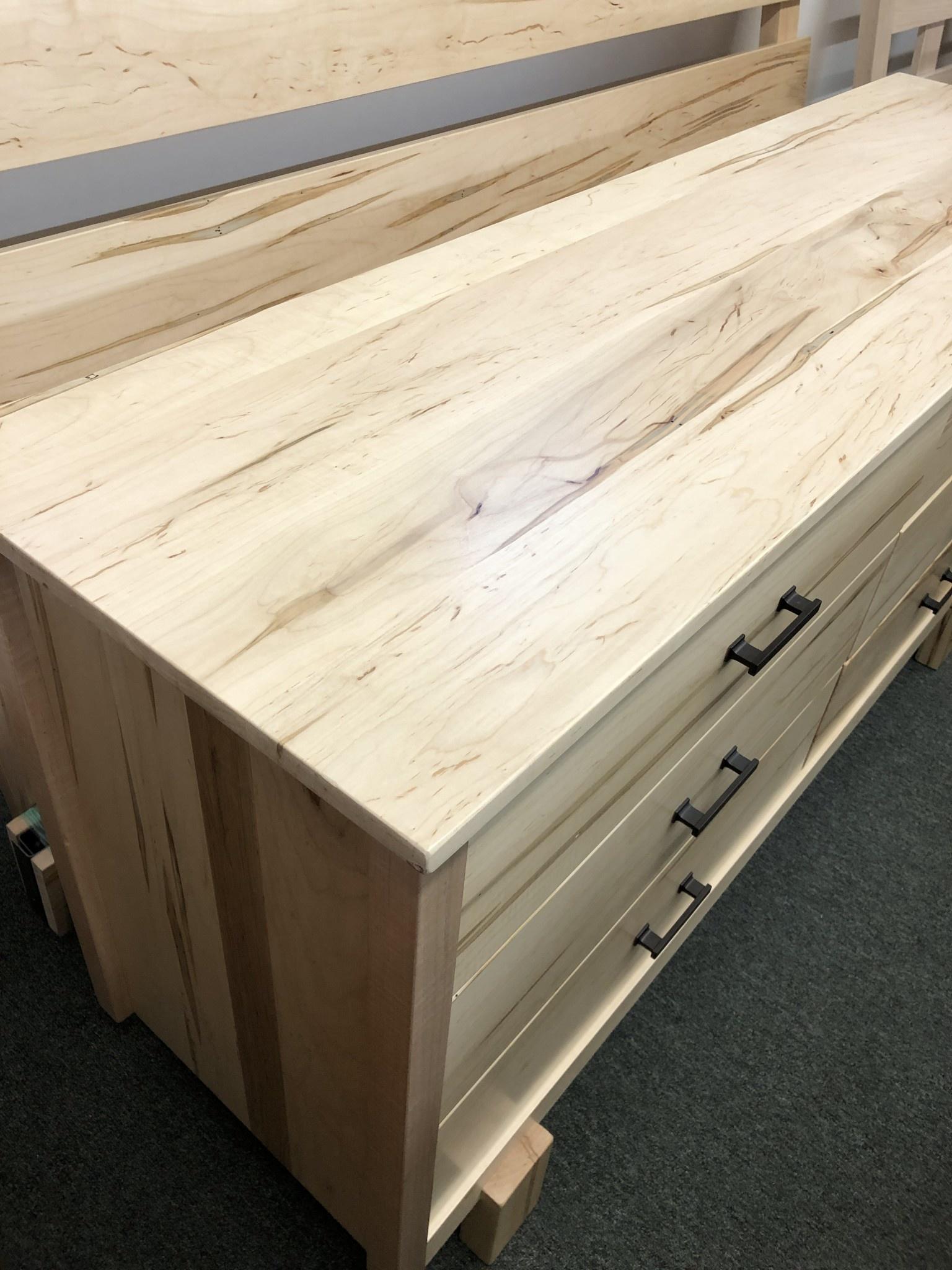 Green Gables Maple Springs 6 Drawer Dresser