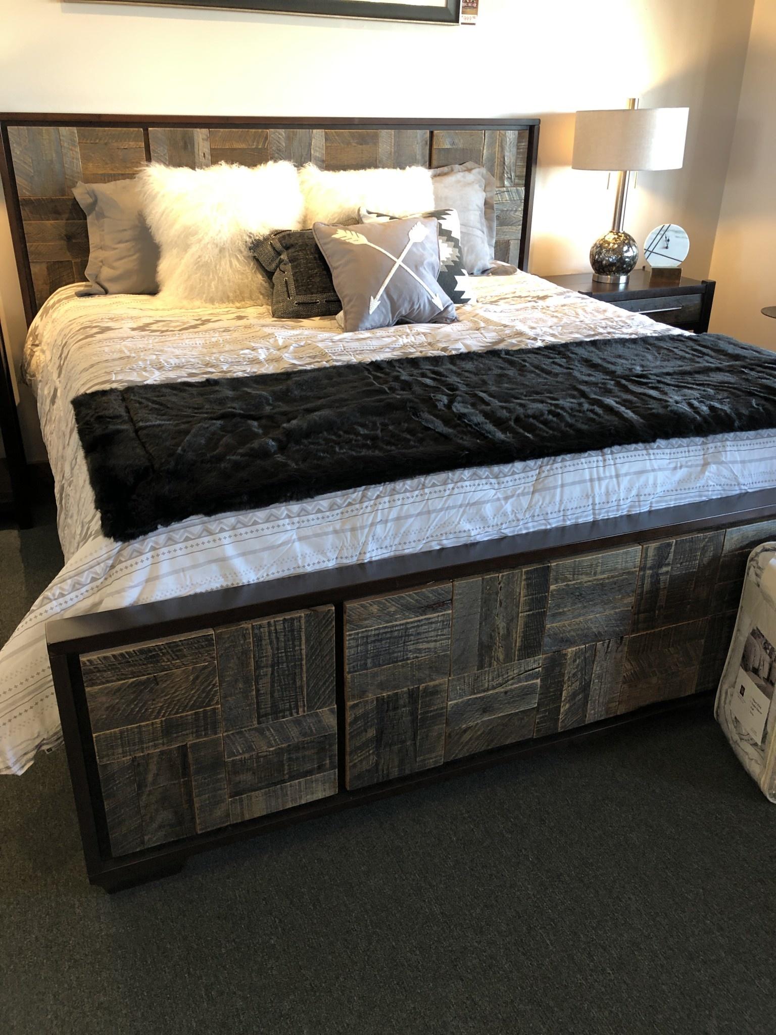 Hiend Free Spirit Bedding Set - QUEEN