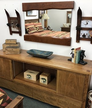 Green Gables South Lake 2 Dr 2 Dwr TV Stand