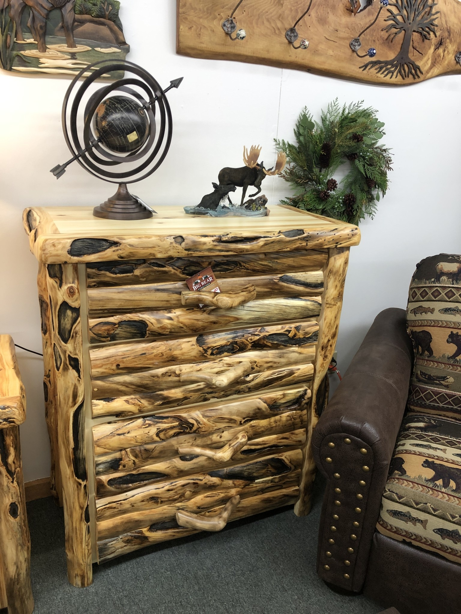 Rustic log Gnarly, 4 Drawer Chest