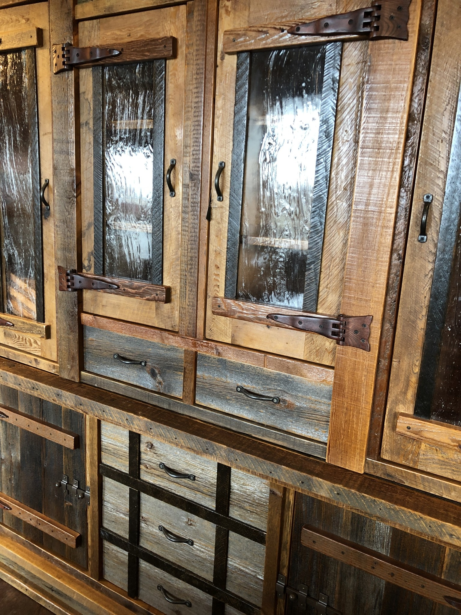 Green Gables Heritage Oakridge Hutch