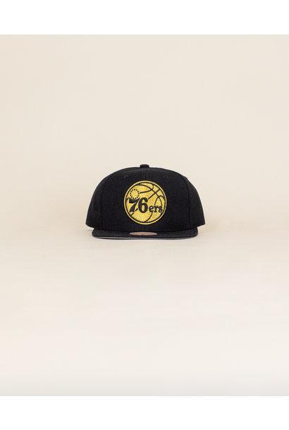 Mitchell & Ness Team Gold Hat - Philadelphia 76ers