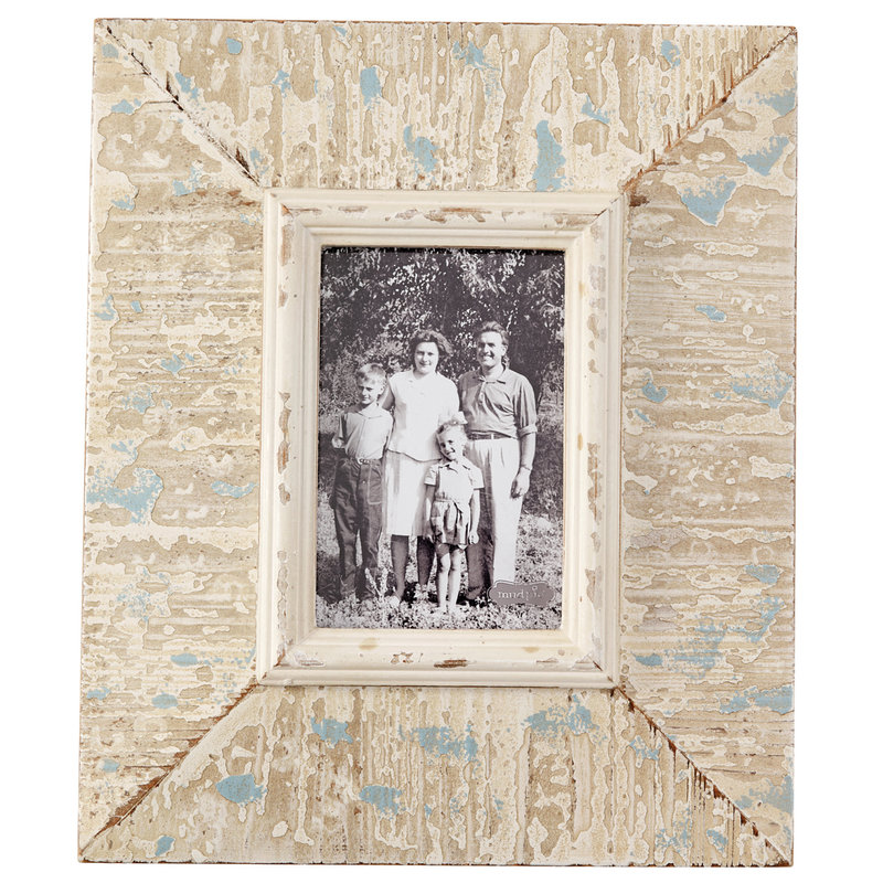 Southbank's Rustic White Frame