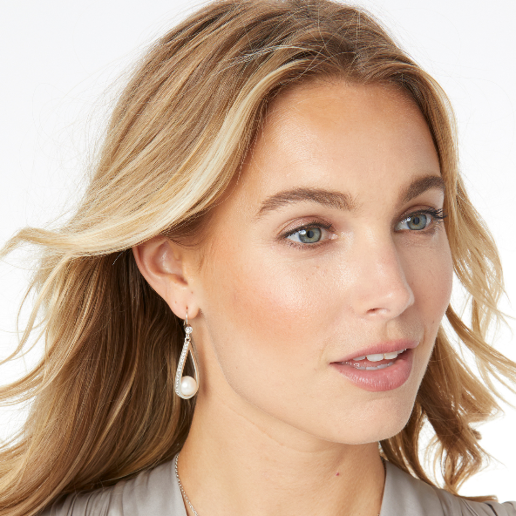 Chara Ellipse Spin French Wire Earrings
